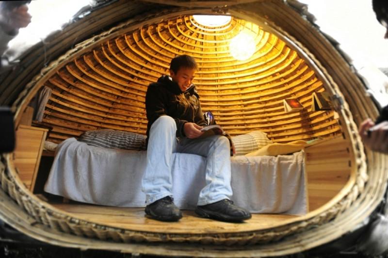 pb 101202 egg2 shulman.photoblog900 800x532 Китаец построил дом яйцо, чтобы не снимать квартиру