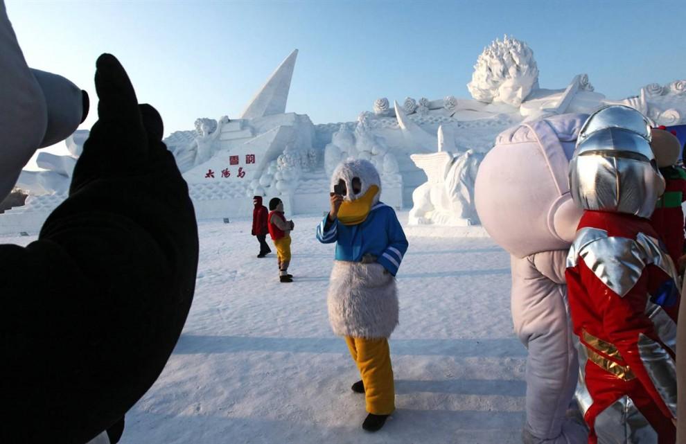 1015 990x641 Международный фестиваль льда и снега в Харбине