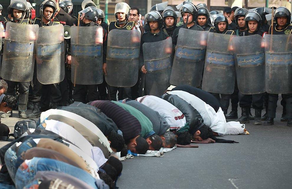 12116 Массовые беспорядки в Египте