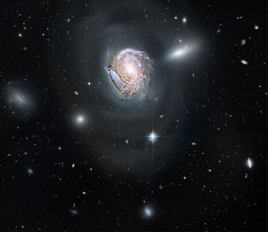 2115 Фото далекого космоса, сделанные телескопом Хаббл