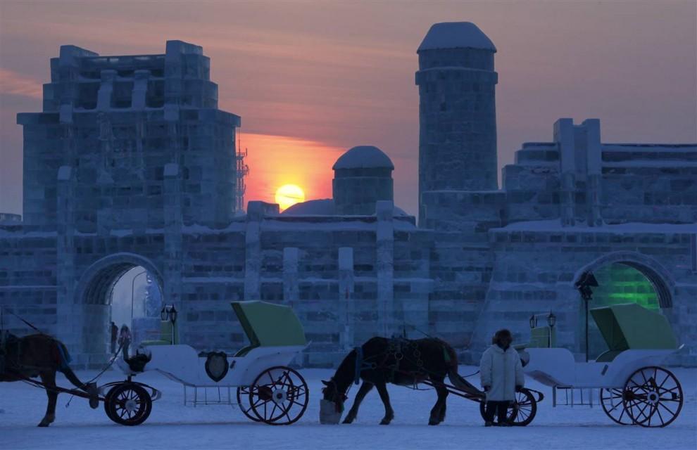 317 990x640 Международный фестиваль льда и снега в Харбине