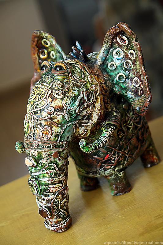 Слоники-лошадки из галереи современного искусства