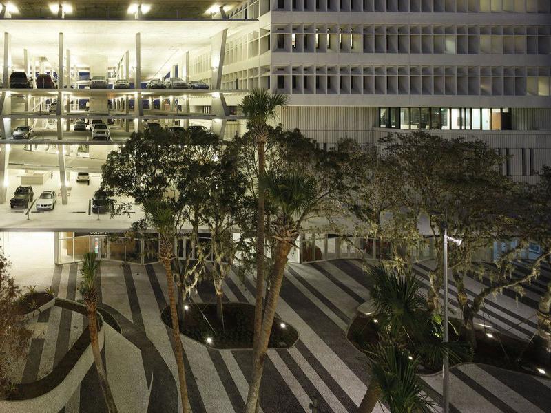Каким может быть многоэтажный паркинг.