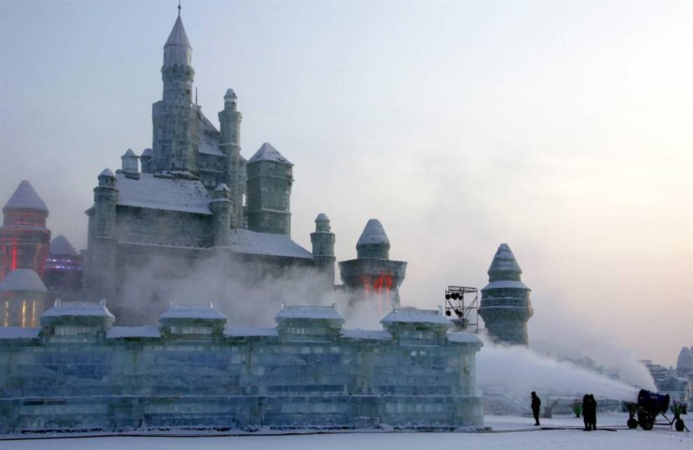77 990x643 Международный фестиваль льда и снега в Харбине