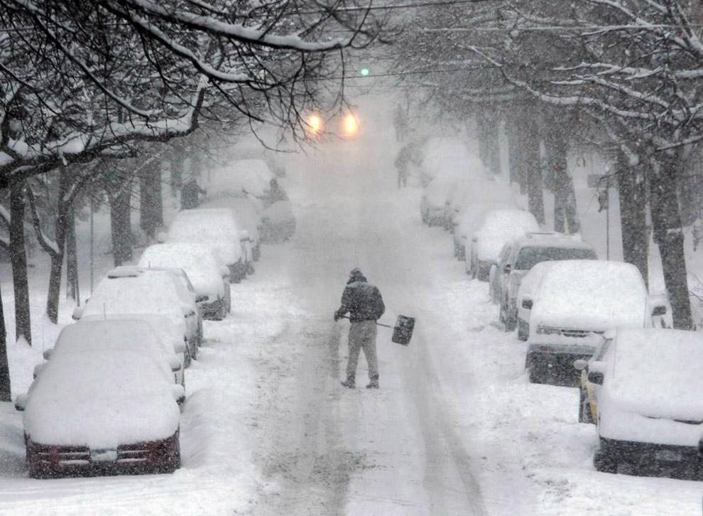 Новые снежные бури в США
