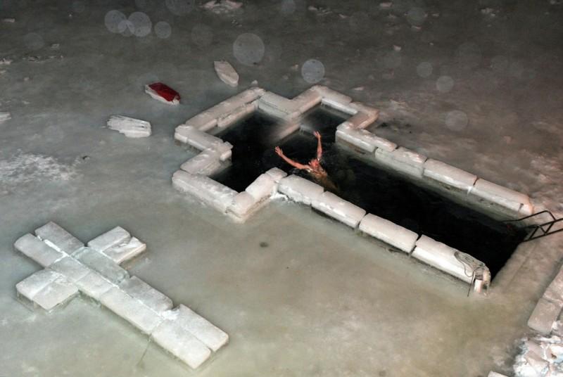 epiphany 800x536 Крещенские купания 2011