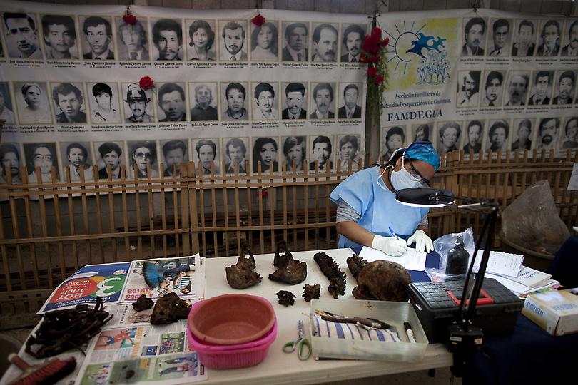 guat11220.sJPG 900 540 0 95 1 50 50.sJPG kuburan massal di Guatemala