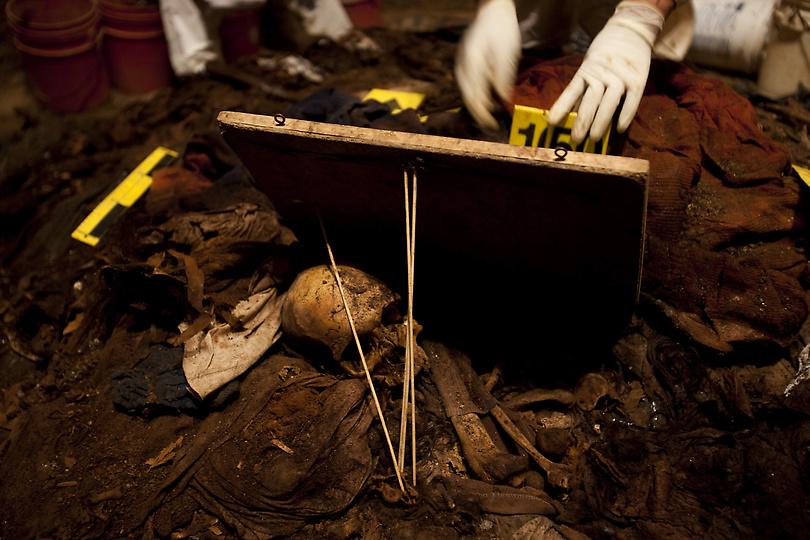 guat11222.sJPG 900 540 0 95 1 50 50.sJPG kuburan massal di Guatemala