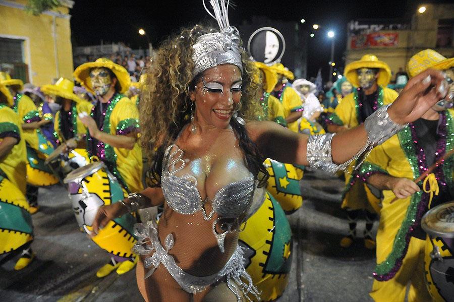 Карнавал Llamadas в Уругвае