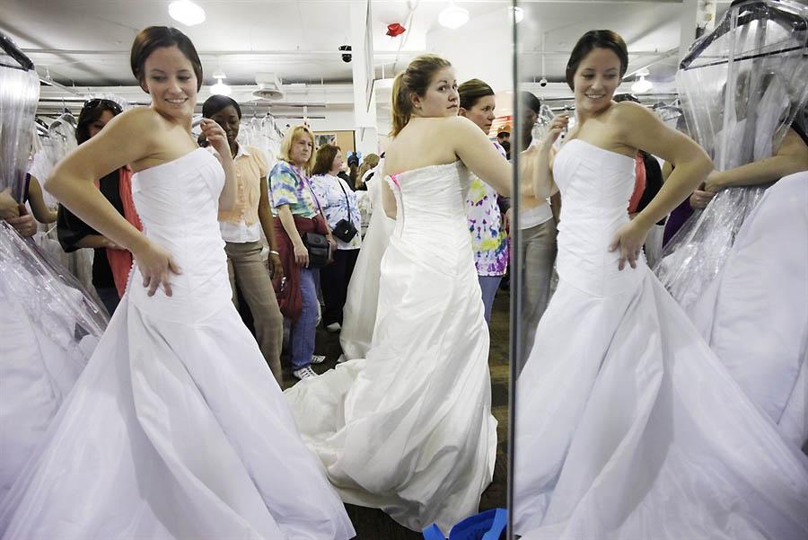1f82f48204c Забег невест  ежегодная распродажа свадебных платьев • НОВОСТИ В ...