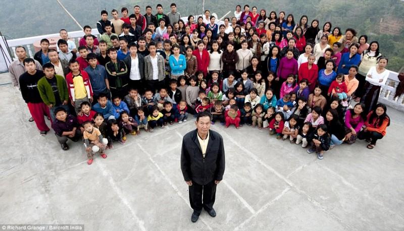 0137 800x458 В Индии проживает самая многочисленная семья в мире