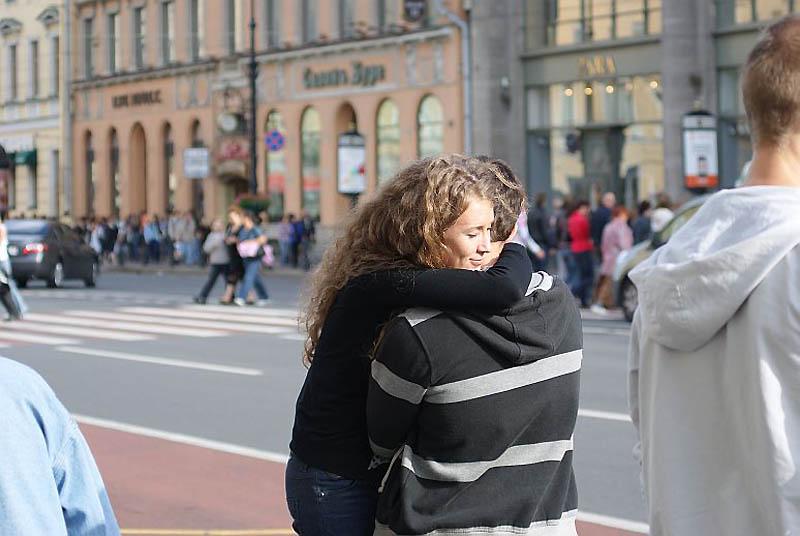 Люди на улицах питера картинки