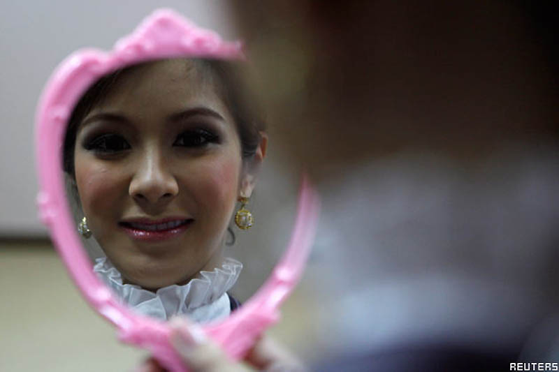Pramugari 0520 Thailand transeksual