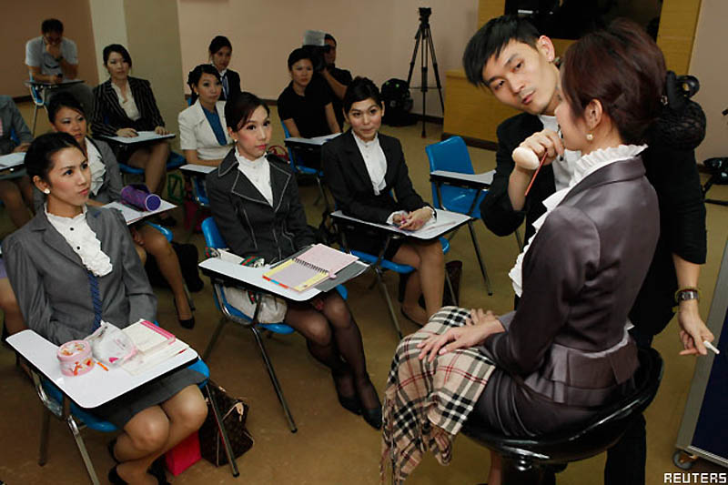 Pramugari 0816 Thailand transeksual
