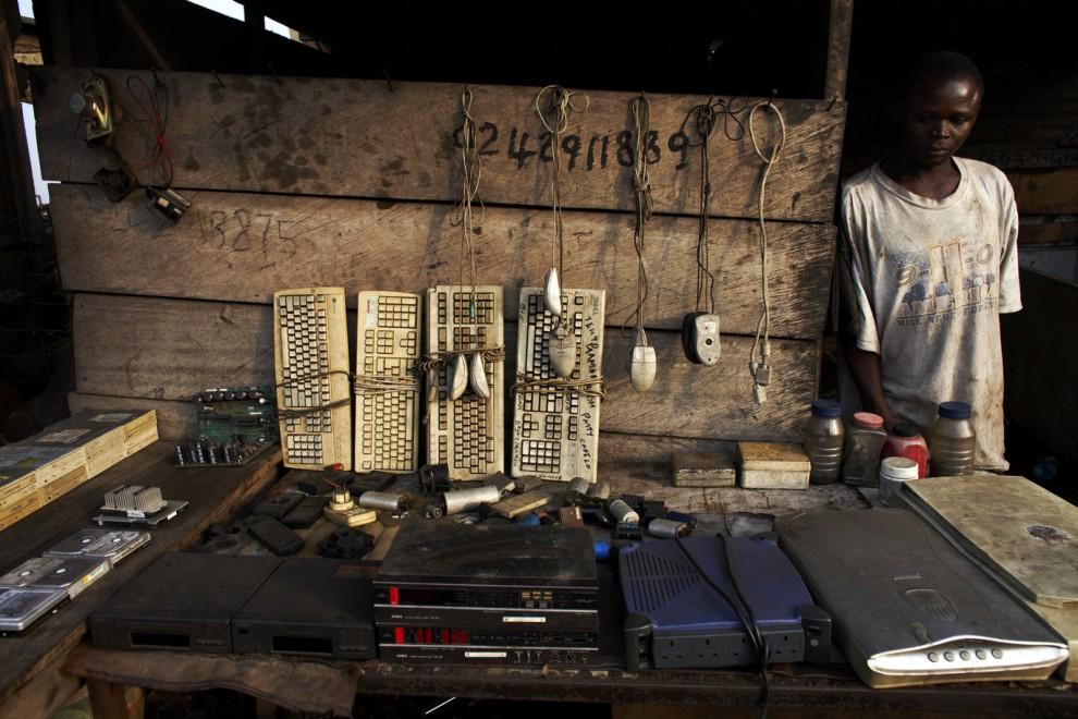 Электронная свалка в столице Ганы
