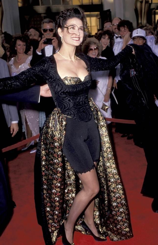 Незабываемые наряды на Оскар