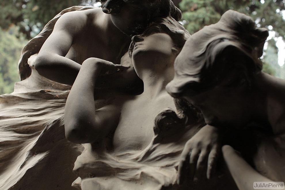 3442106901 1541150e76 o Старинное кладбище Стальено в Генуе