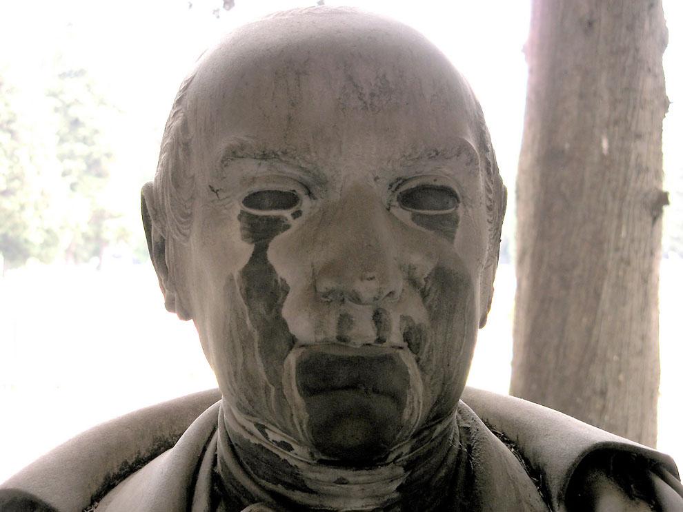 3557918818 d5d4f6c903 b Старинное кладбище Стальено в Генуе