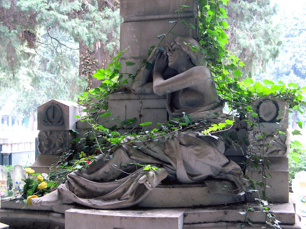 3621975080 d316a443cf b Старинное кладбище Стальено в Генуе