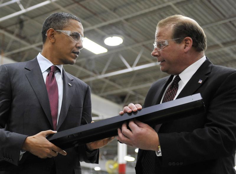 Obama tours Wisconsin factories