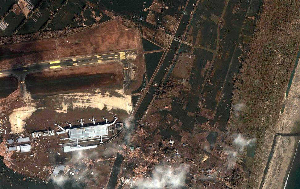 0423 Снимки со спутника: До и после землетрясения в Японии