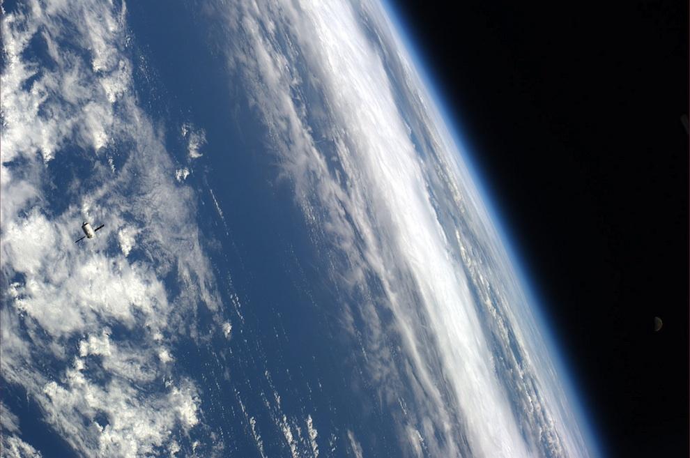 0431 Выход в открытый космос: Голубое небо под ногами