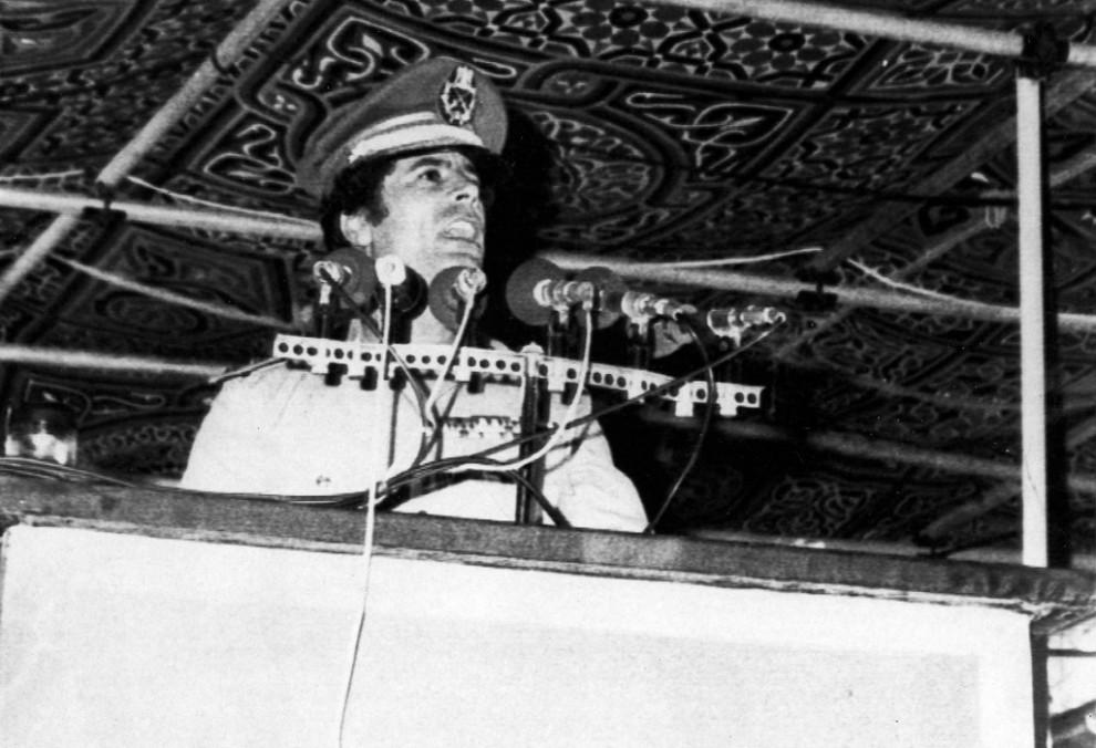 05 990x676 Муаммар Каддафи в разные годы своего правления