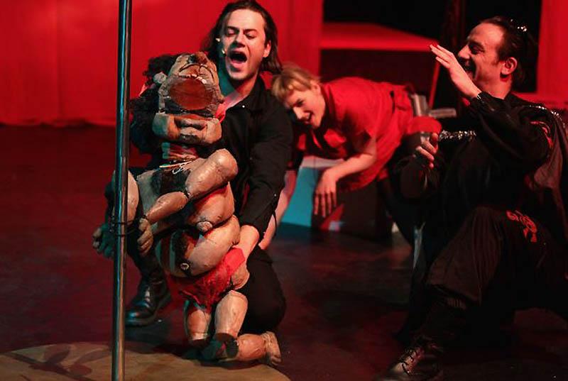 0620 Кукольный спектакль про Каддафи