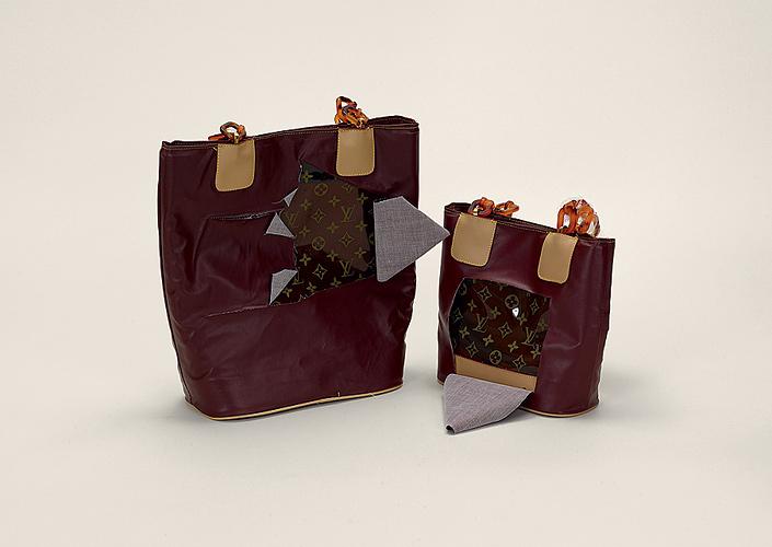 7. Сумки Louis Vuitton (подделка, замаскированная под хозяйственные...