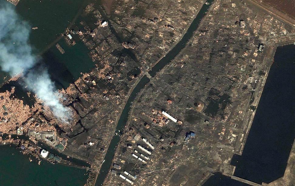0821 Снимки со спутника: До и после землетрясения в Японии