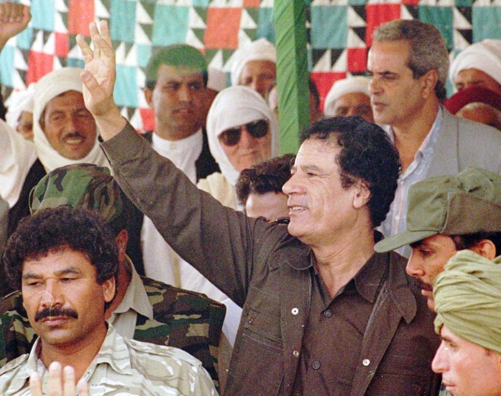 09 990x782 Муаммар Каддафи в разные годы своего правления