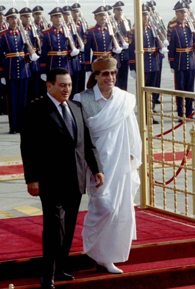 10 671x990 Муаммар Каддафи в разные годы своего правления