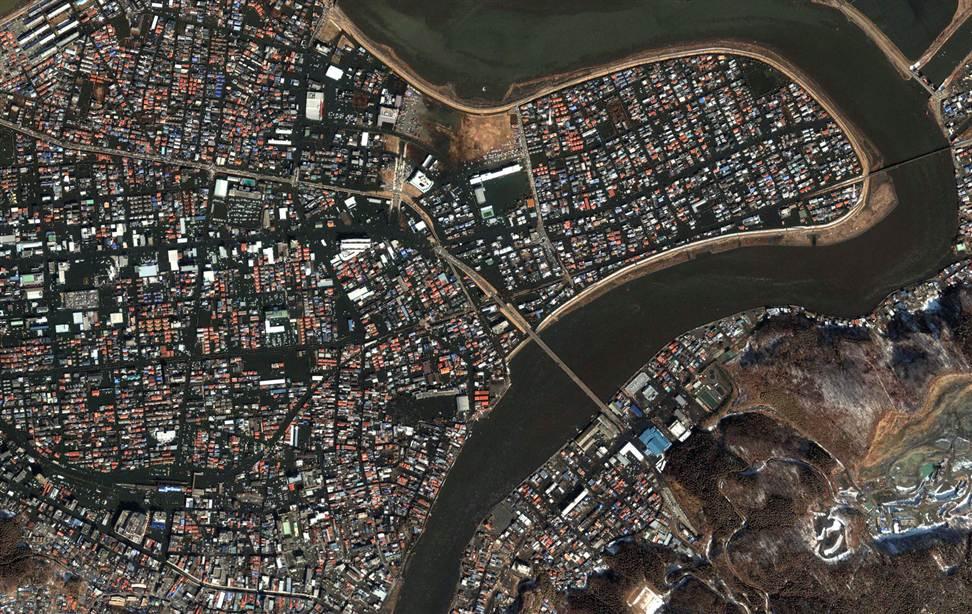 1138 Снимки со спутника: До и после землетрясения в Японии