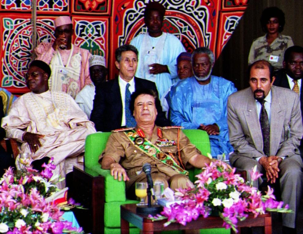 12 990x763 Муаммар Каддафи в разные годы своего правления