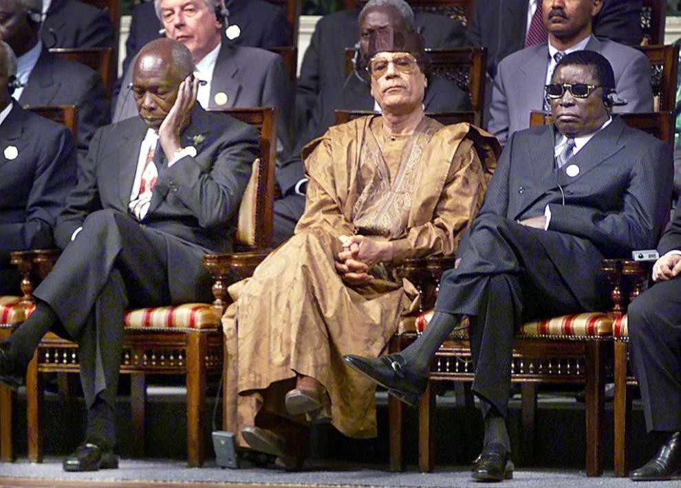 14 990x710 Муаммар Каддафи в разные годы своего правления