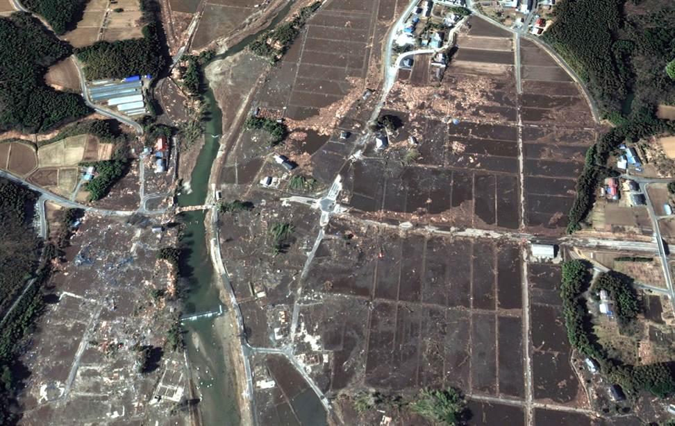 1432 Снимки со спутника: До и после землетрясения в Японии