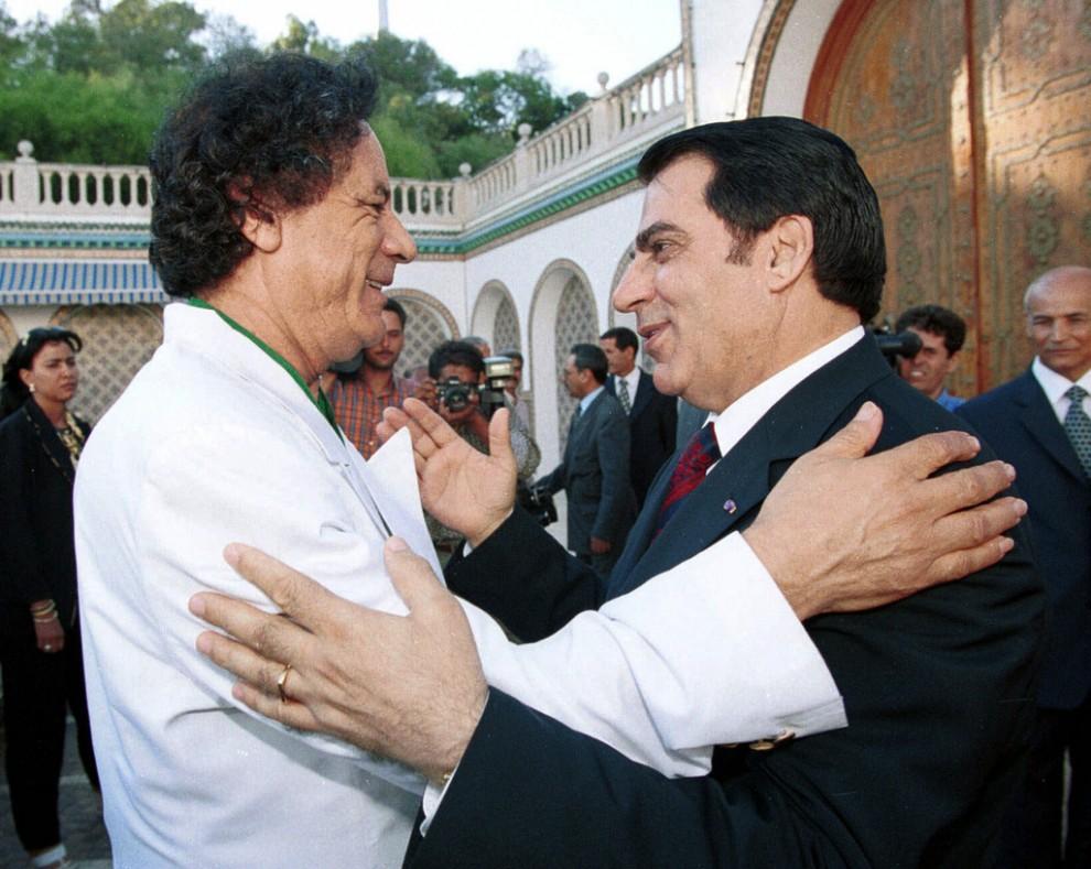 15 990x789 Муаммар Каддафи в разные годы своего правления