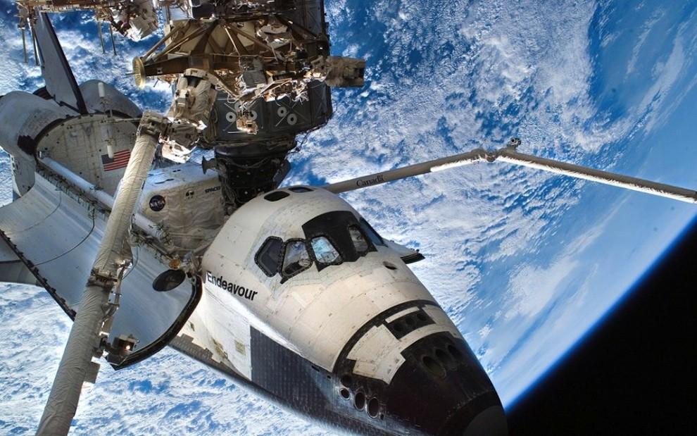 1544 Выход в открытый космос: Голубое небо под ногами