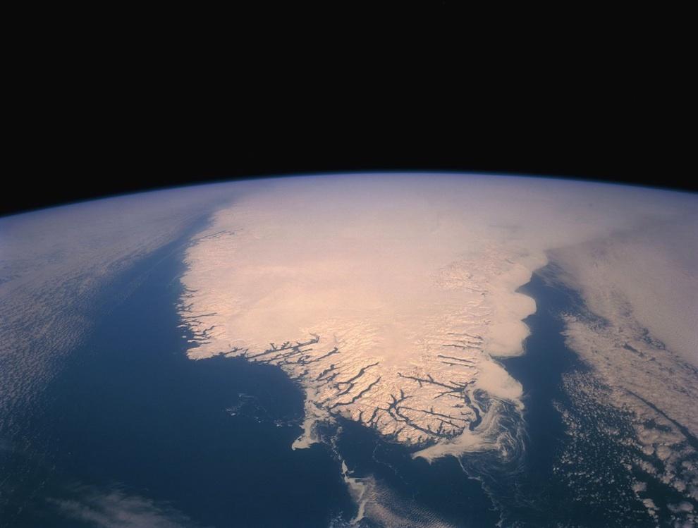1741 Выход в открытый космос: Голубое небо под ногами