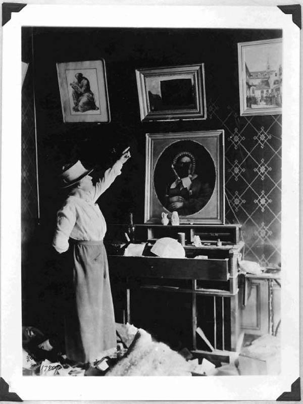 1762 Фотографии времен Первой мировой войны, запрещенные цензурой