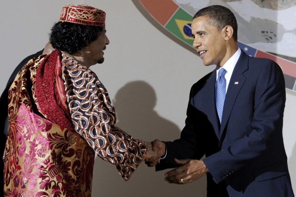 22 990x660 Муаммар Каддафи в разные годы своего правления
