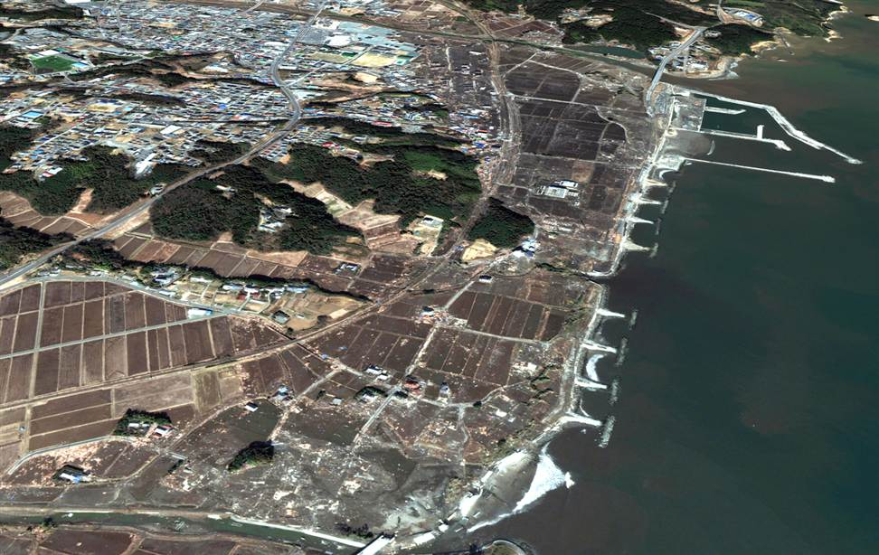 2214 Снимки со спутника: До и после землетрясения в Японии