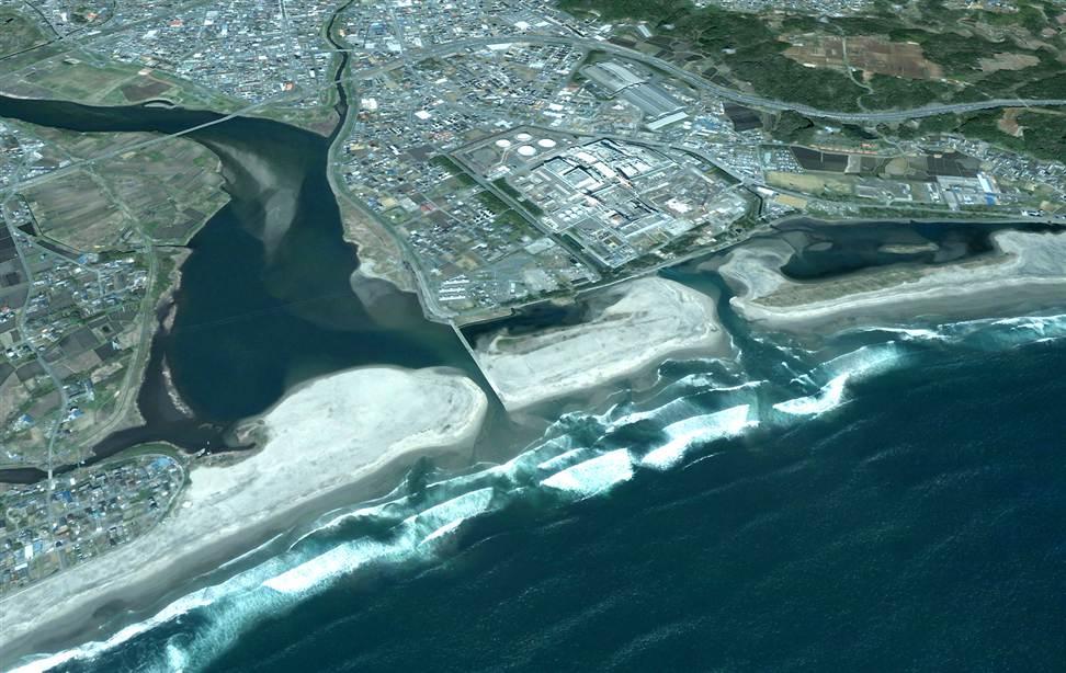 279 Снимки со спутника: До и после землетрясения в Японии
