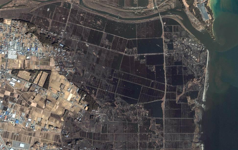 308 Снимки со спутника: До и после землетрясения в Японии