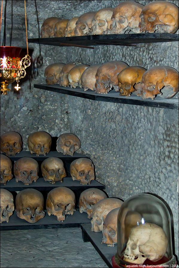 Свято-Клементьевский монастырь - обитель в скале