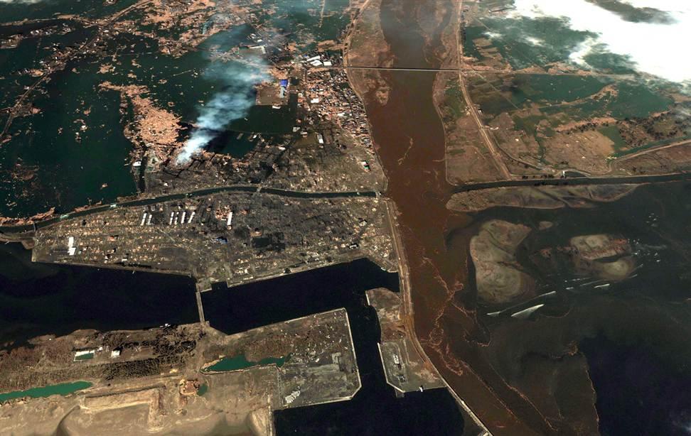 424 Снимки со спутника: До и после землетрясения в Японии