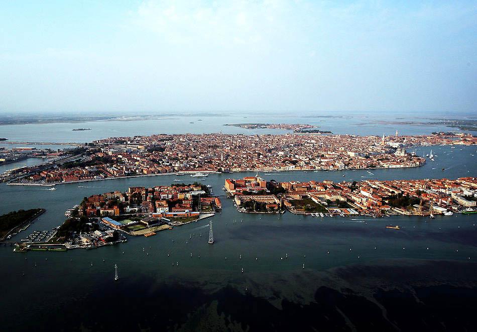 http://bigpicture.ru/wp-content/uploads/2011/03/Veneciya_03.jpeg