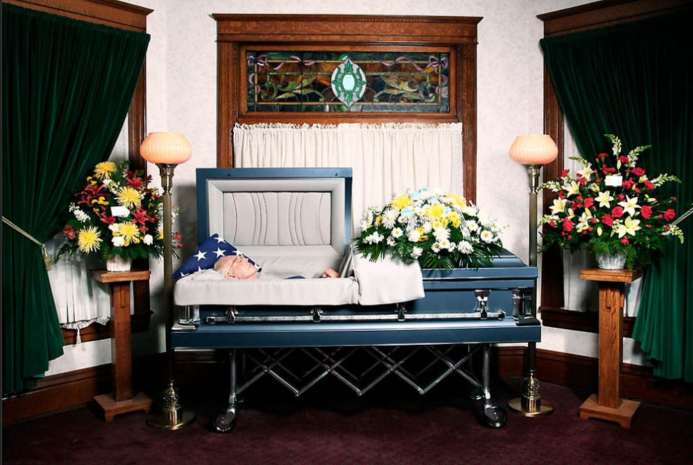 повседневная жизнь похоронного бюро