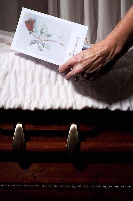 death08 Повседневная жизнь похоронного бюро