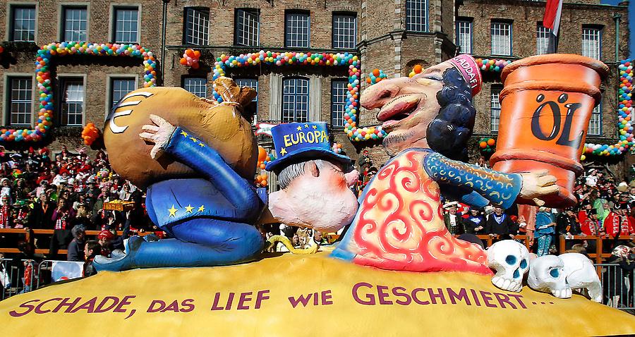 dp072237.sJPG 900 540 0 95 1 50 50.sJPG Политическая сатира на немецких карнавалах (Часть 2)